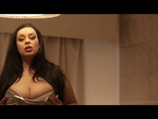 Sensuality comes out at night full hd