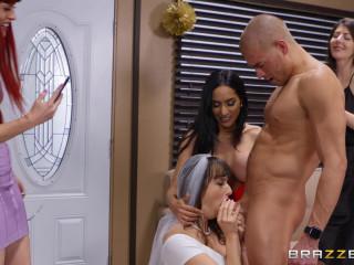 Lexi Luna, Tia Cyrus - The Gift Of Cock FullHD 1080p