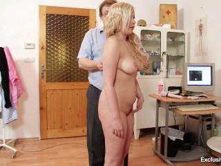 Nataly Gold (22 years girls gyno exam)