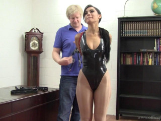 Enchantress Sahrye : Leather String Frog-tie At The Boss's Demand