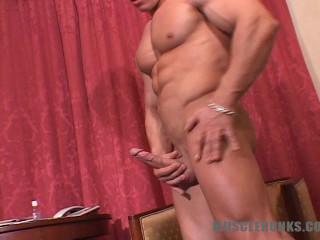 MuscleHunks - Johnny Dirk - Delicious Manhood