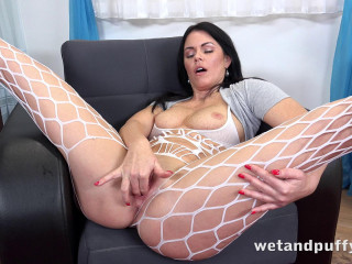 Julia Black - Milf Masturbation