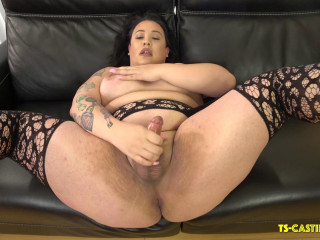 Curvy Camille Marie Cums On The Couch!