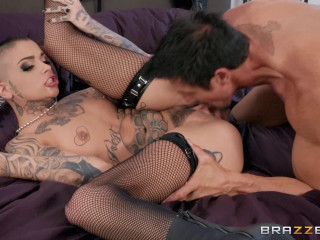 Leigh Raven - Playing with Her Pussy