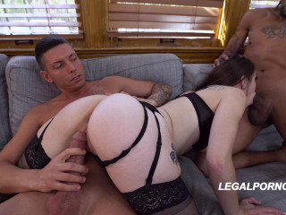 Airtight slut in special surprise orgy with DP