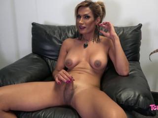 Meet Gigi Mood