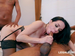 Black Robbers Invade Veronica Avluv's Ass and Pussy