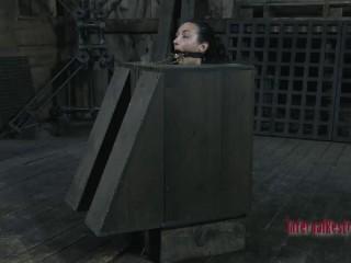 Superslut in a Cage Bonus Wenona