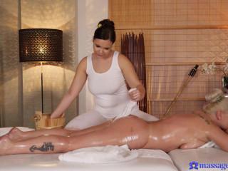 Alexa Bold, Sofia Lee - Curvy girls oil drenched spanking FullHD 1080p