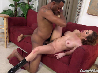 Ride the hubby switching this ebony stallion
