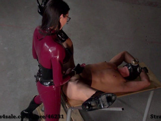 Fetisch Narzisse - Ravaged From The Rubber Domme - HD 720p
