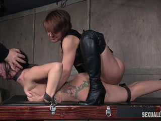 Mandy Muse and her amazing bum gets abused with rod