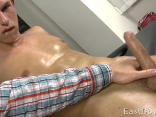 EastBoys - Raymond Hamilton - Massage - Handjob - Jerking off