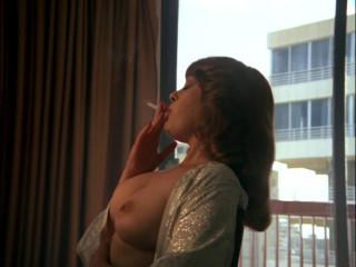 El miron y la exhibicionista (1986)
