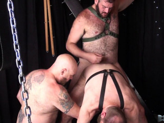BarebackThatHole – Father Cub, Steve Sommers and Father Lucas