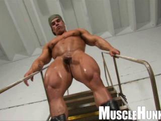 MuscleHunks - Enzo Pileri - Shooting