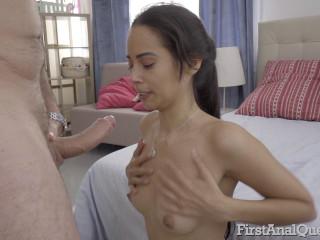 Andreina De Luxe - Teen loses her anal virginity (2019)