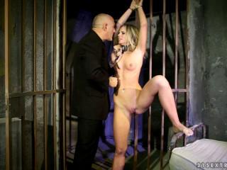 Caged Slut - Vanda Lust