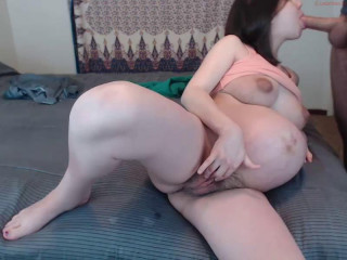 Pussy Show Off