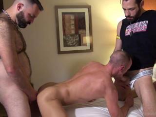 Super-fucking-hot Threeway Stud Fillmore, Milan Gamiani & Matt Hart (720p)