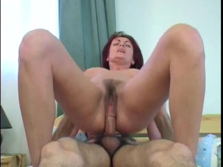 MILF Piroska analised