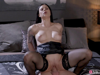 Billie Starlet - Lap dance in leather and tights FullHD 1080p