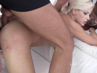 Ten stud gangbang for Ria Sunn SZ999