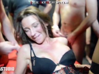 Julie SkyHigh Special Part 1