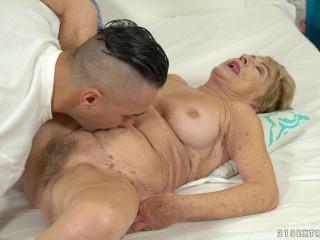 Malya - Cum On Granny! (2018)