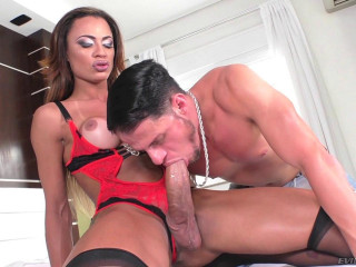 Keylla Marques (Hung T-Girl & Brazilian Man Drown Boners)