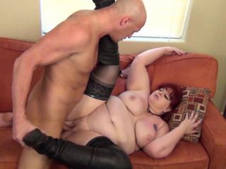 Red-haired MilfF Bbw Voluptuous Sammie salutes me to the vicinity