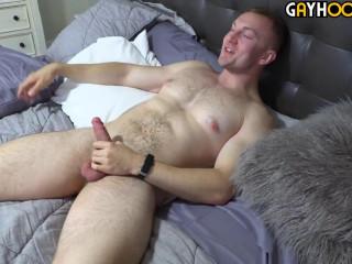 Bryce Beckett Jerks Off (720p)
