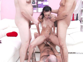 Nicole Love pissing fantasy & airtight
