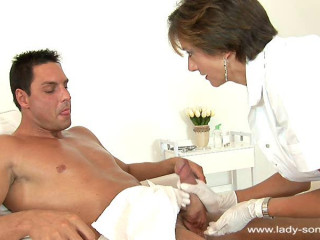 Lady Sonia - Massagist Sopping With Glue
