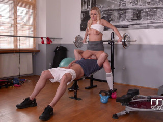 Nikky Desire - A Crazy Blonde's Jiggly Gym Blowjob