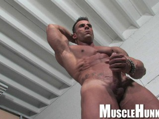 MuscleHunks - Gianluigi Volti - Ripped, Hung And Handsome