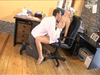 Horny Assistant luvs oral examinations