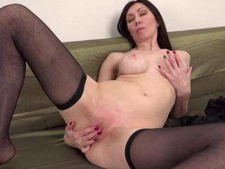 slim mature slut with big ass get fucked hard full hd