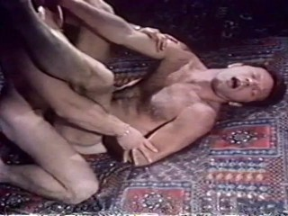 Kiss Today Goodbye (1976) - George Payne, David Savage, Lew Seager