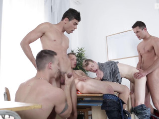Wood Casey, Florian Mraz, Joel Vargas, Milan Sharp, Sam Williams