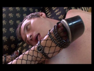 Deviant stunner in fishnets screwed