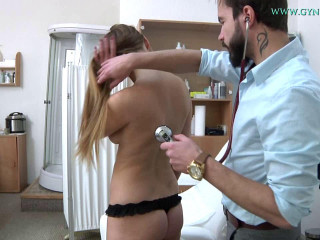Routine examination of a female doctor