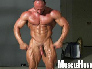MuscleHunks - Hans Hoffmann - Supreme Muscle Daddy