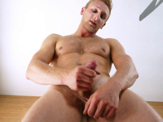 Bisexual Hunk Jamie Pavel Strokes his cock for you