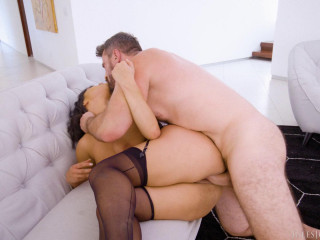 Sahara Leone Uses Her Bulging Donk To Make Manuel Pour out