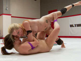 Feather Weight Battle. Pain Pixie brings the Pain to Jeze Belle