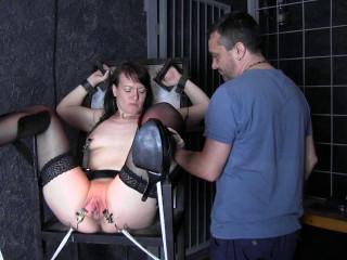 Minuit and Yvette, a girl-girl bondage session vol.2