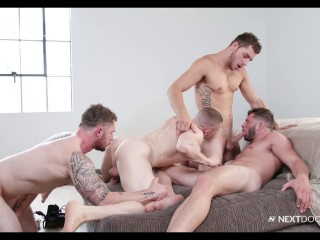 Muscle Team In Hot Orgy