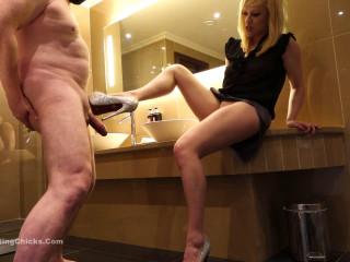 Ballbustingchicks - Axa - Harsh Handjob - Punished For Squirting On Her Leg