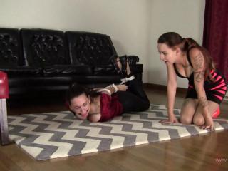 Harley Bane & Nichole Skye : Roommates Bonding Over Bondage